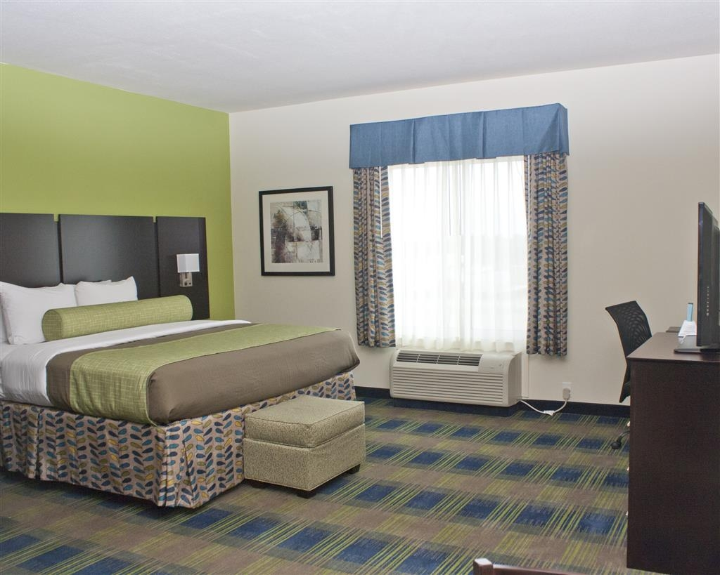 Best Western Plus Pratt - Suite