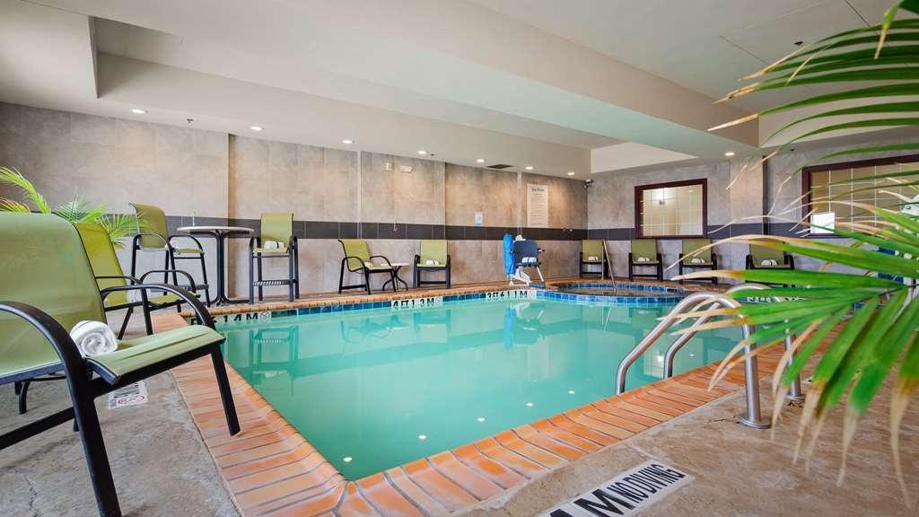 Best Western Plus Pratt - Enjoy some laps in our indoor pool.