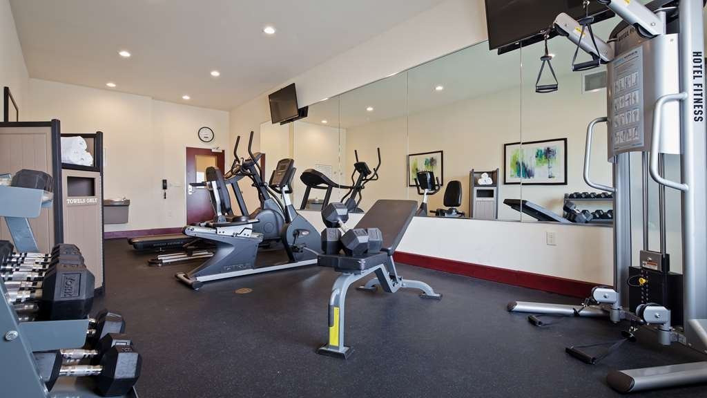 Best Western Plus Pratt - Burn some extra calories in our fitness center.