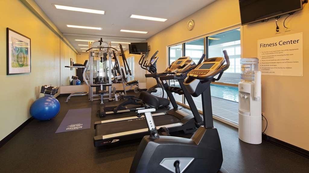 Best Western Plus Patterson Park Inn - Enjoy a rigorous workout in our fitness center.