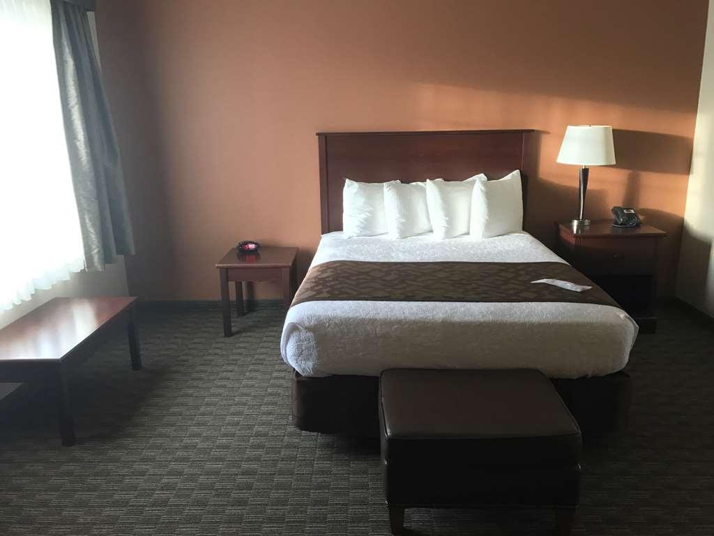 Best Western North Edge Inn - Suite