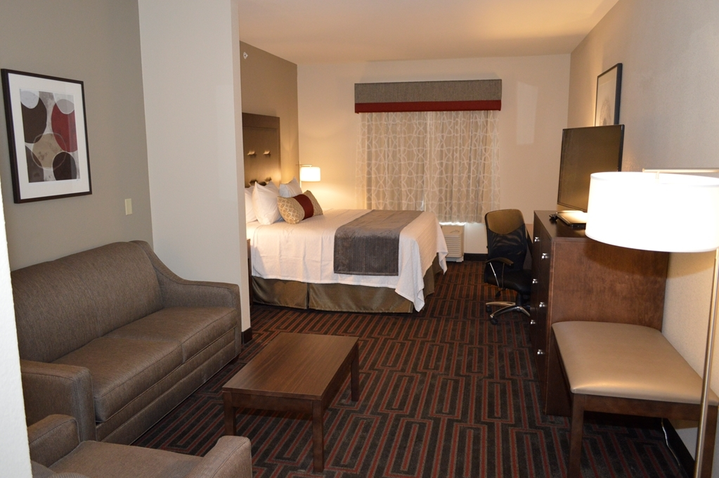 Best Western Plus Stevens County Inn - Suite