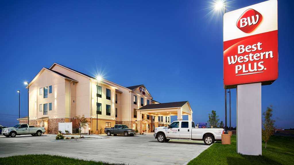 Best Western Plus Stevens County Inn - Vista Exterior
