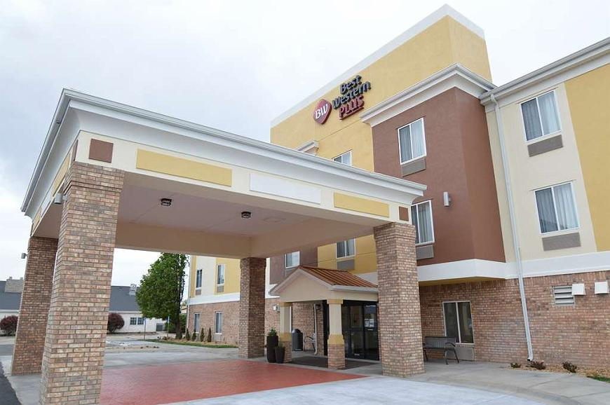 Best Western Plus Liberal Hotel & Suites