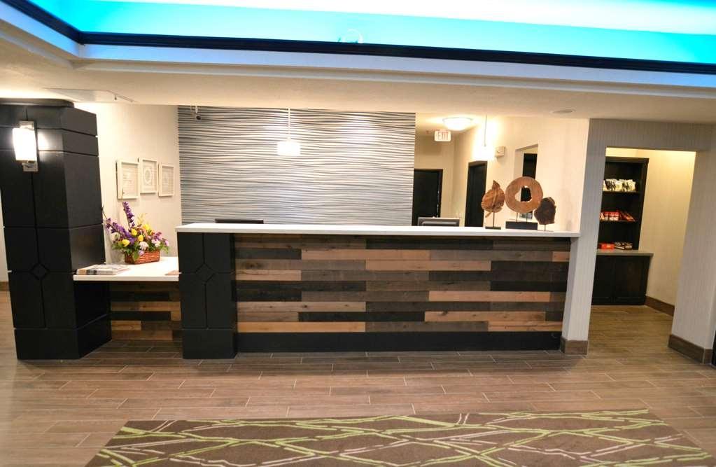 Best Western Plus Liberal Hotel & Suites - Front Desk