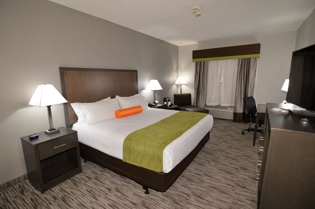 Best Western Plus Liberal Hotel & Suites - Mobility Accessible King Guest Room