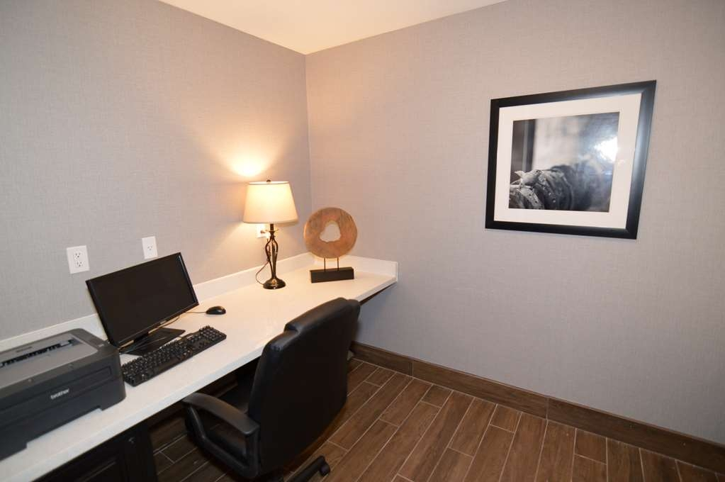 Best Western Plus Liberal Hotel & Suites - Business Center