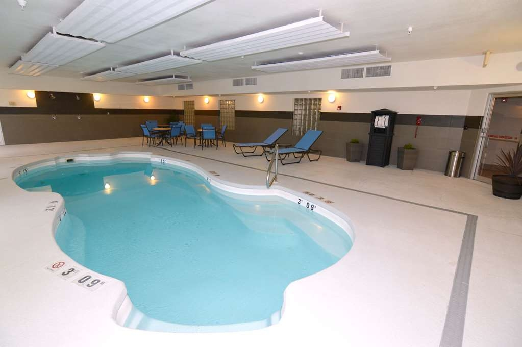 Best Western Plus Liberal Hotel & Suites - Poolansicht