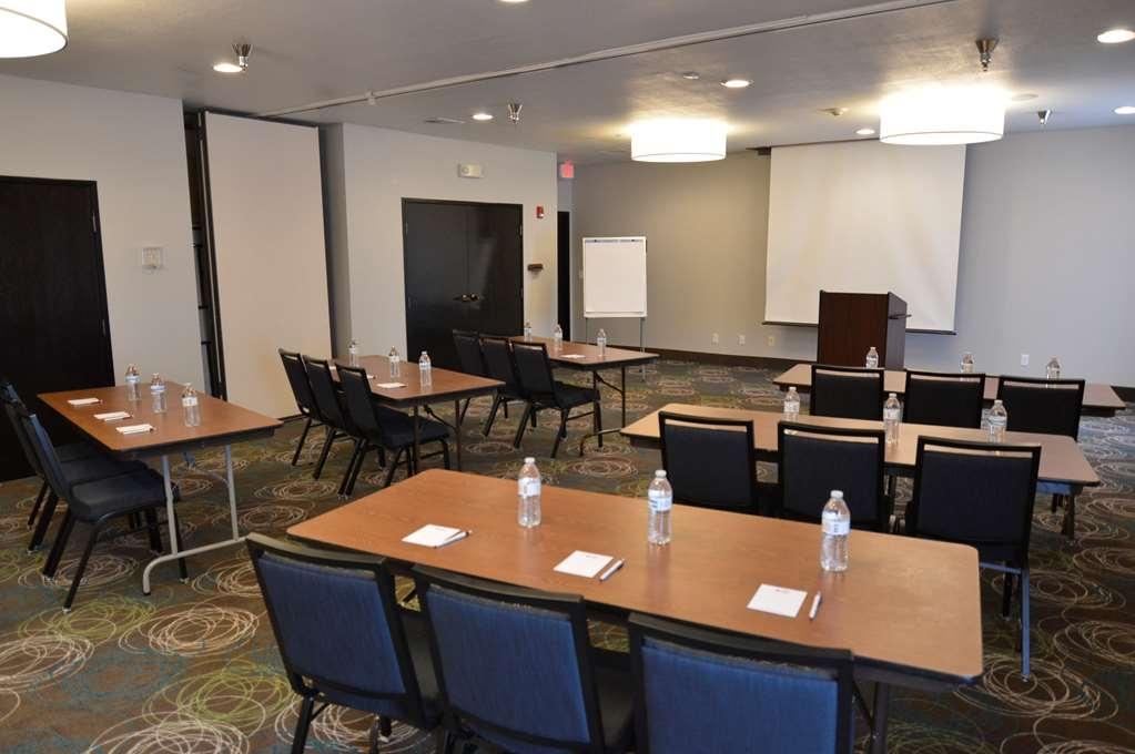 Best Western Plus Liberal Hotel & Suites - Meeting Room