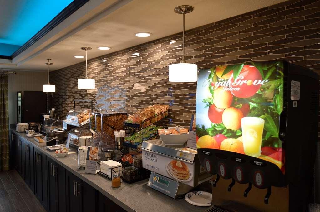 Best Western Plus Liberal Hotel & Suites - Restaurant / Gastronomie