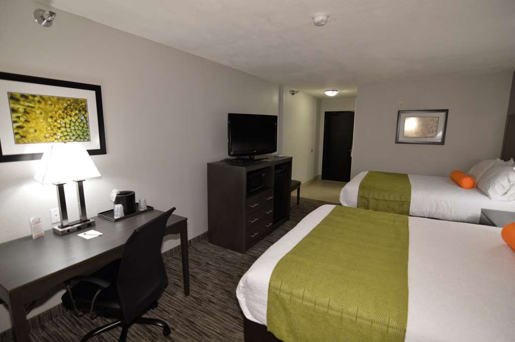 Best Western Plus Liberal Hotel & Suites - Double Queen Guest Room