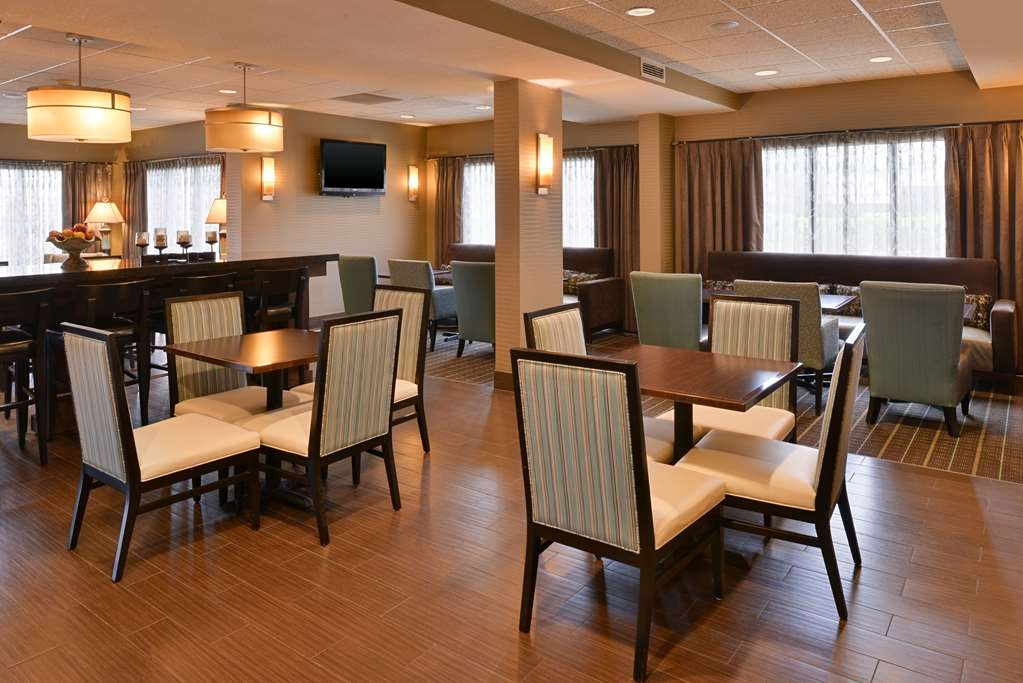 Stupendous Hotel A Wichita Best Western Plus Wichita West Airport Inn Lamtechconsult Wood Chair Design Ideas Lamtechconsultcom