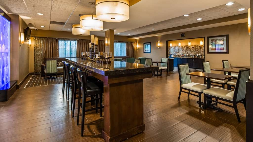 Best Western Plus Wichita West Airport Inn - Vue du lobby