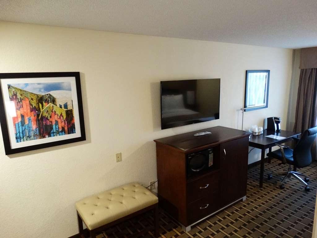 Best Western Overland Park Hotel - Suite