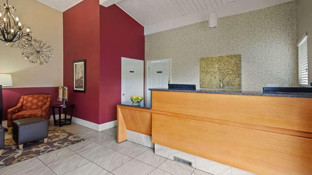 Best Western Winchester Hotel - Vista del vestíbulo