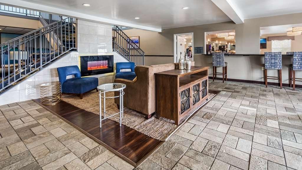 Best Western Parkside Inn - Vista del vestíbulo