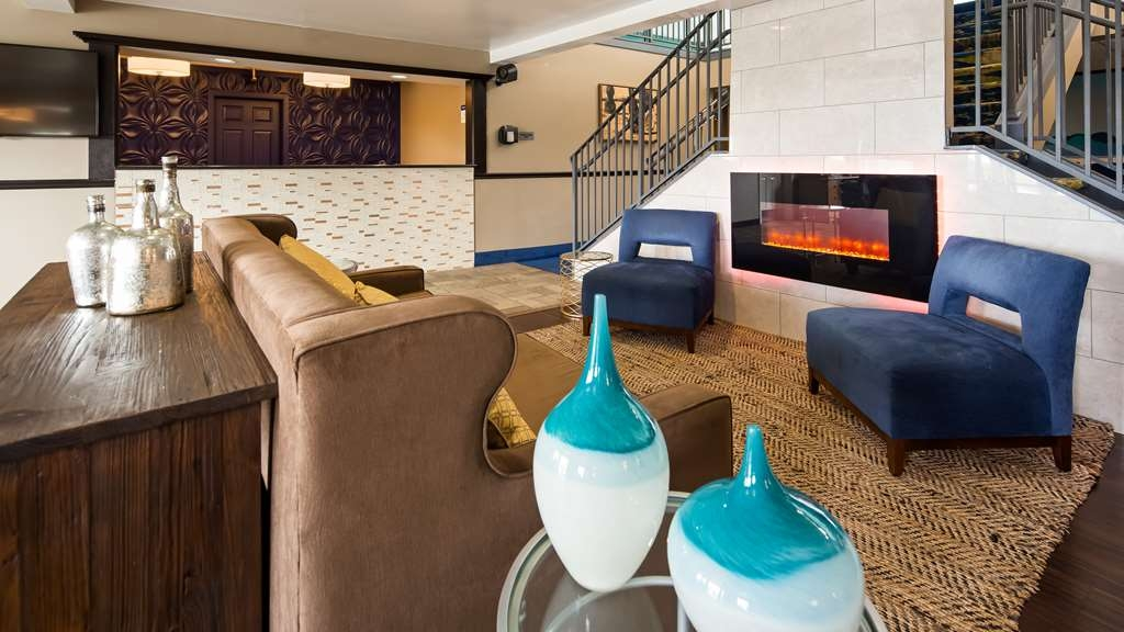 Best Western Parkside Inn - For superior customer service check in with us at Best Western Parkside Inn!