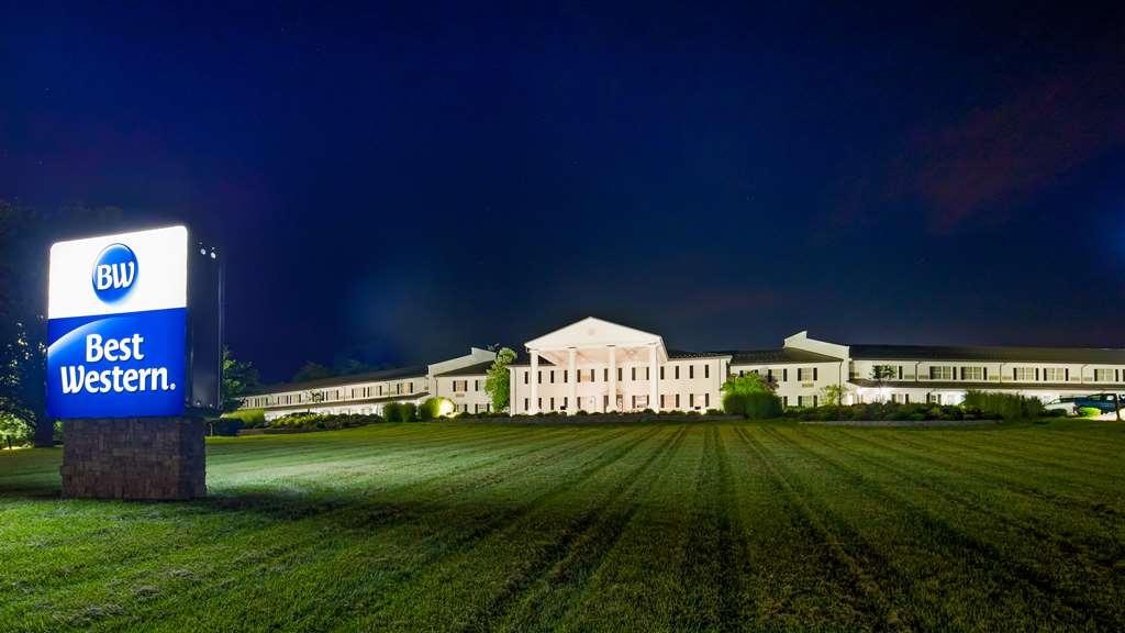 Best Western Parkside Inn - Vista Exterior
