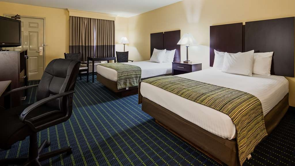 Best Western Parkside Inn - Relax and have a restful nights sleep in our Two Extended Double Bed guest rooms!