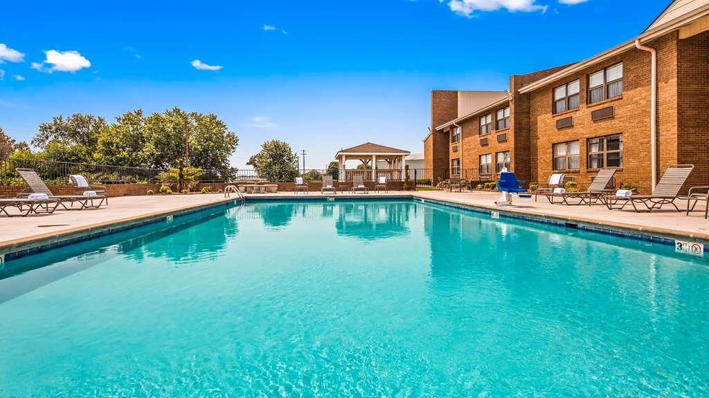 Best Western Campbellsville Inn - Vista de la piscina