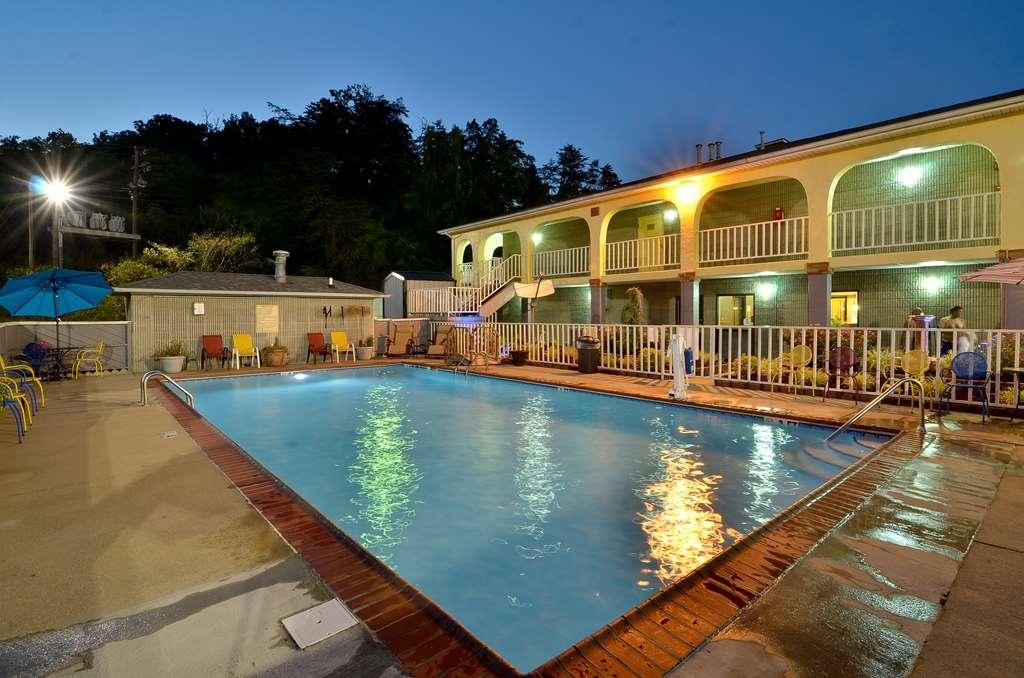 Best Western Corbin Inn - Swimming Pool