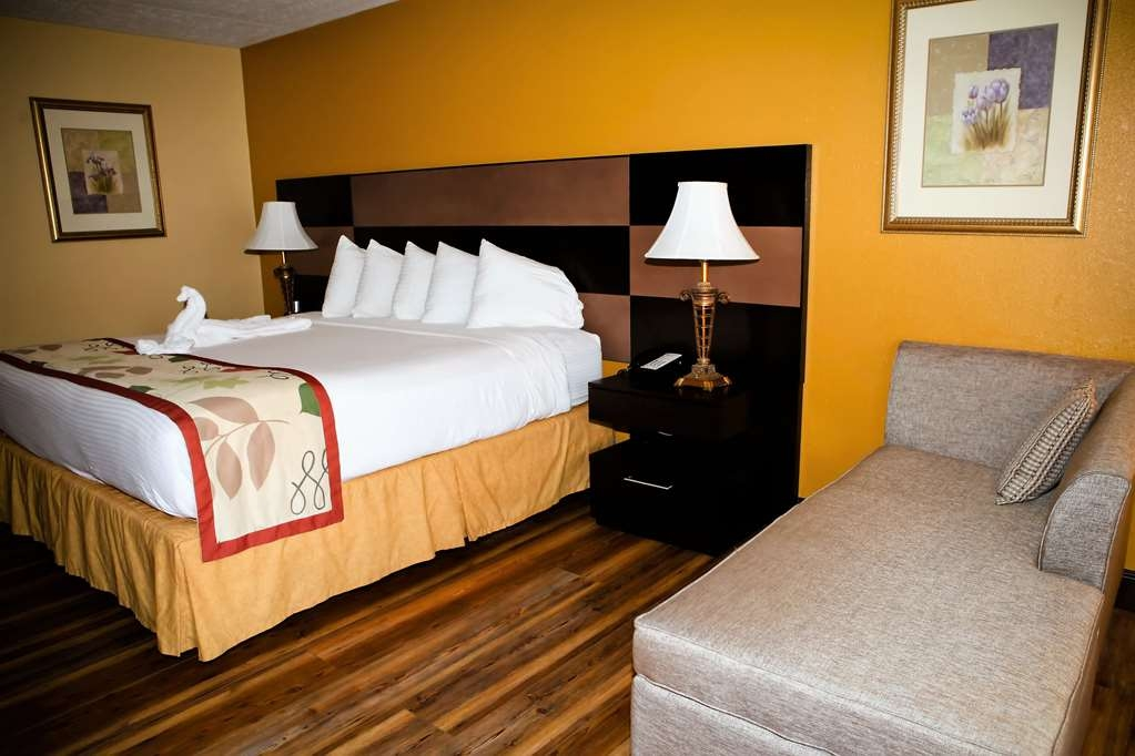 Best Western Corbin Inn - Our king guest room is spaciously designed for your comfort. Enjoy the luxury of home while away from home.