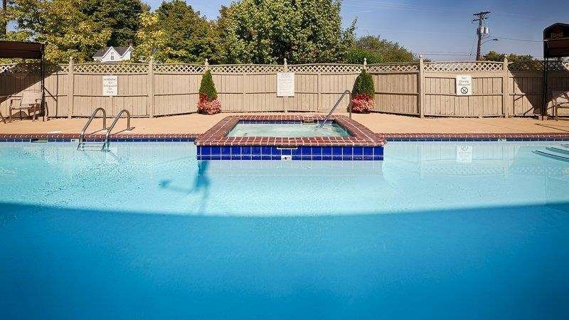 Best Western Columbia - Piscina