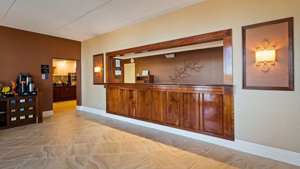 Best Western Columbia - Hall