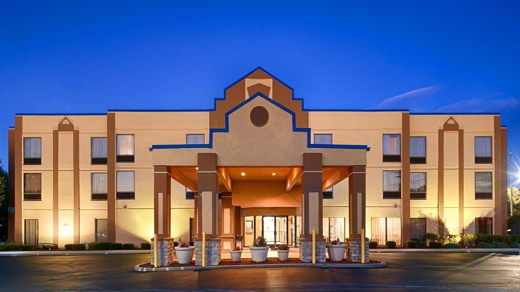 Best Western Inn Florence - Best Western Inn Florence is located off I-71.