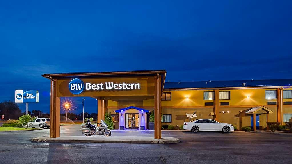 Best Western Paducah Inn - Conveniently located just off I-24 at exit 11