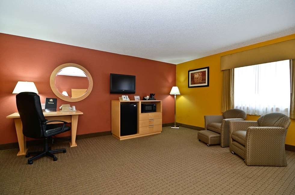 Best Western Paducah Inn - Newly modeled and very spacious for guests needing plenty of room.