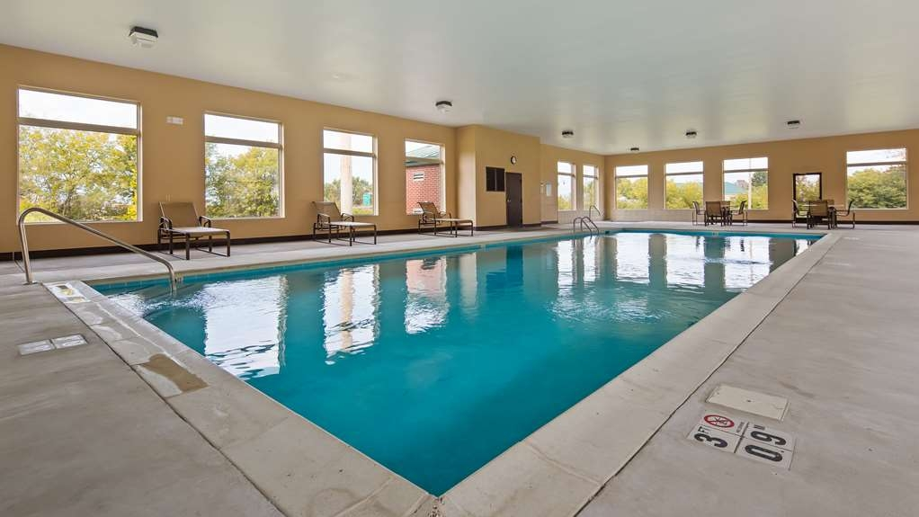 Best Western Richmond Hotel - Piscina