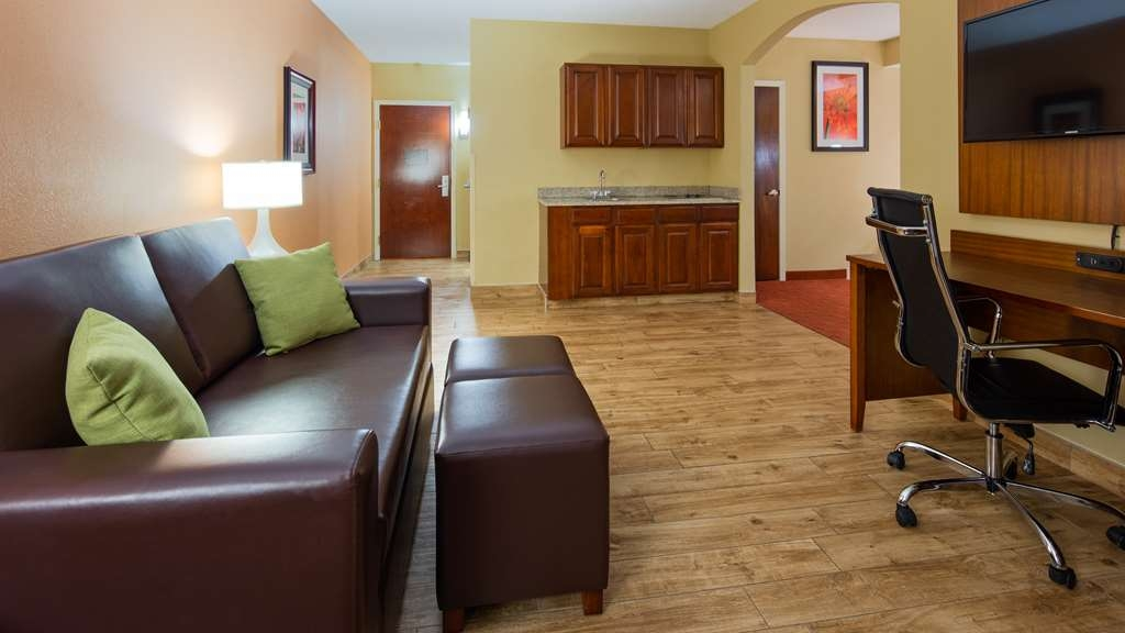 Best Western Plus Georgetown Corporate Center Hotel - Chambres / Logements