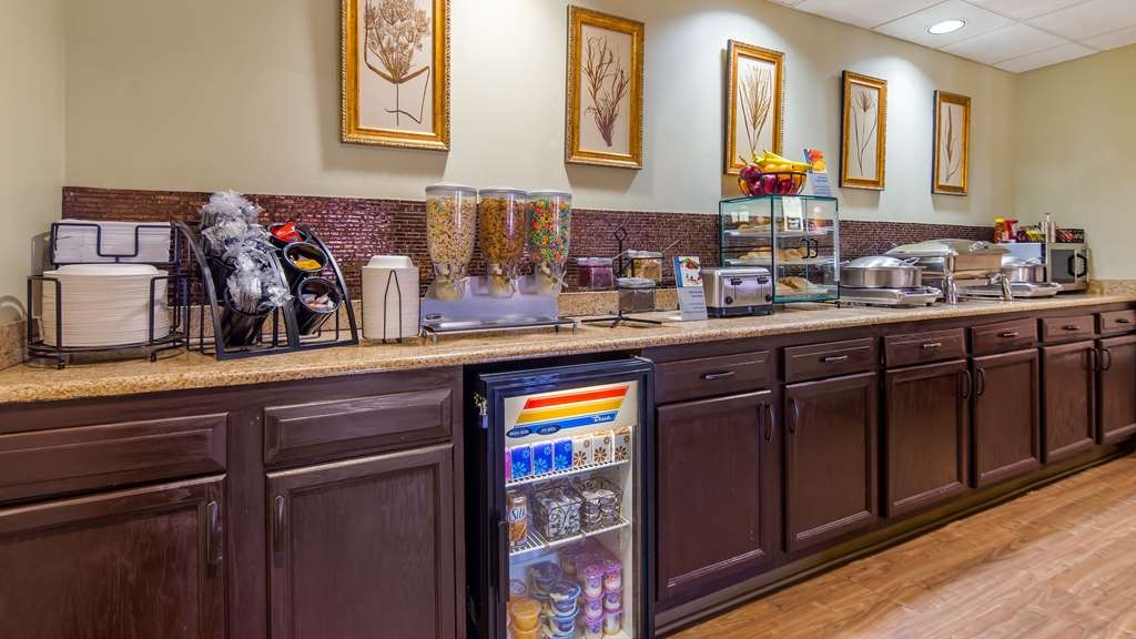 Best Western River Cities - Enjoy a balanced and delicious breakfast with options for everyone.
