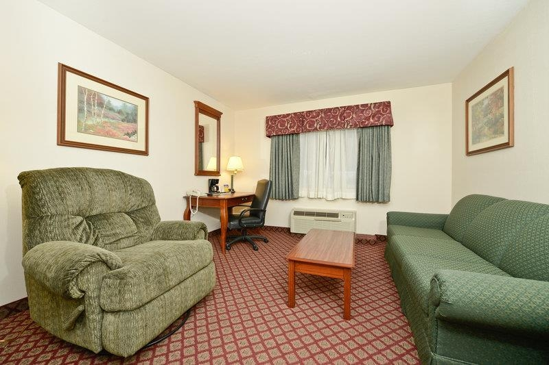 Best Western River Cities - Stretch out and relax in our King Mini-Suite!