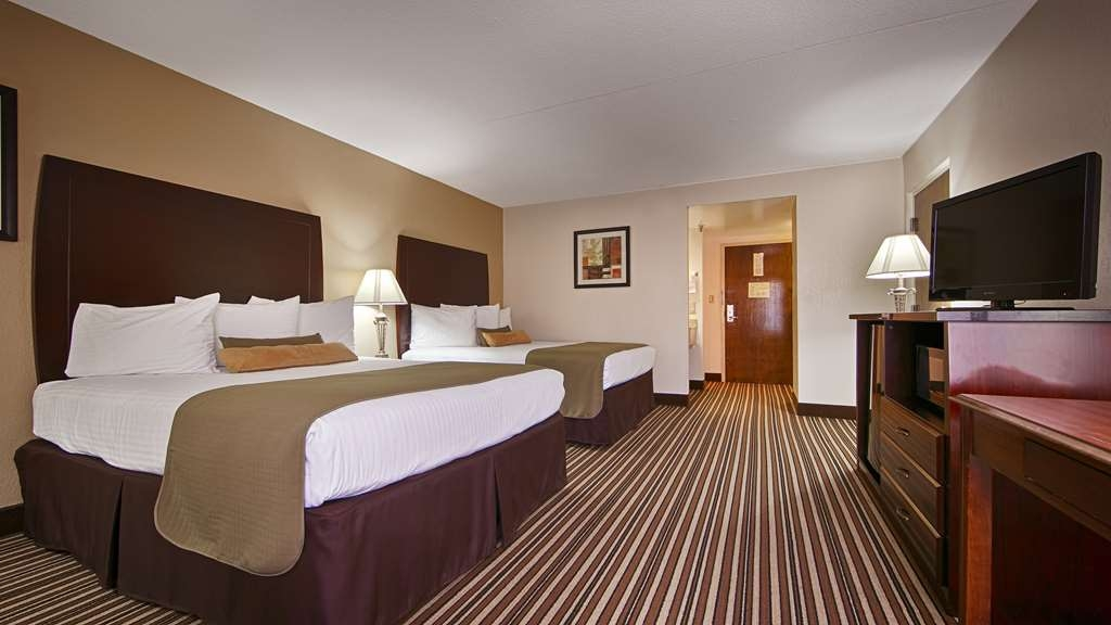 Best Western Ashbury Inn - If your traveling with family make a reservation for our 2 queen bedroom.
