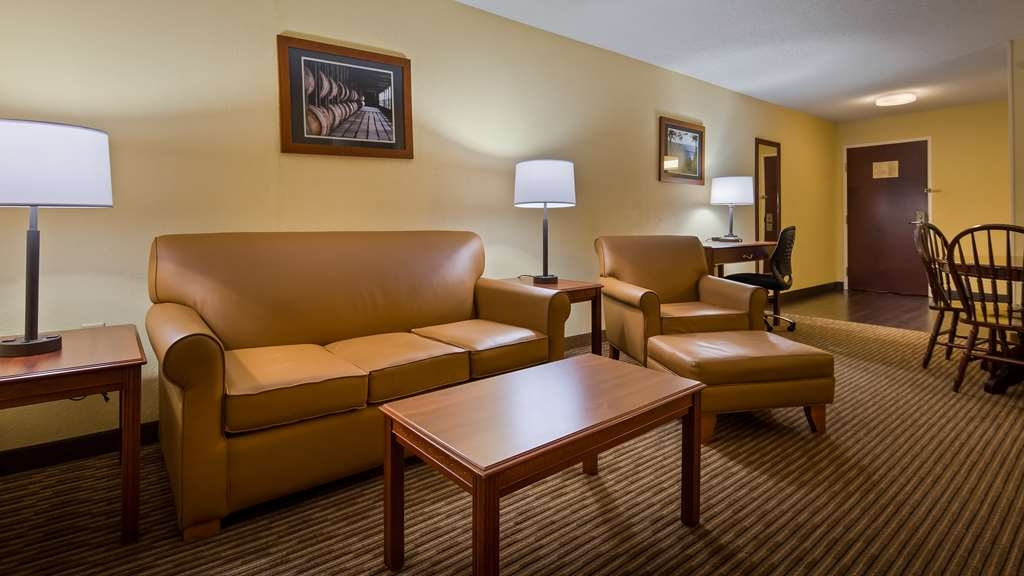 Best Western Lawrenceburg Inn - Suite
