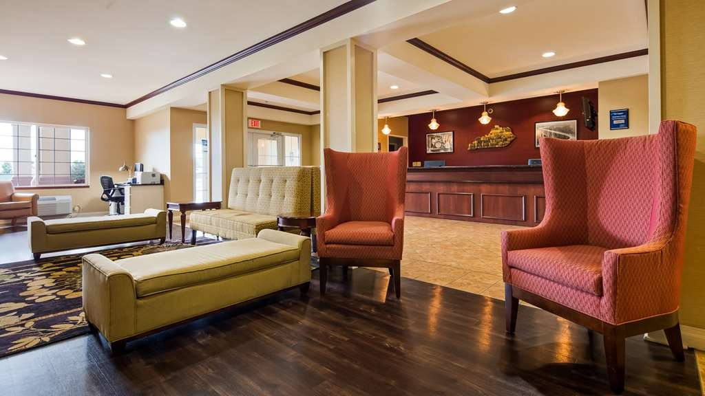Best Western Lawrenceburg Inn - Our lobby is the perfect spot to relax after a long day of work and travel.