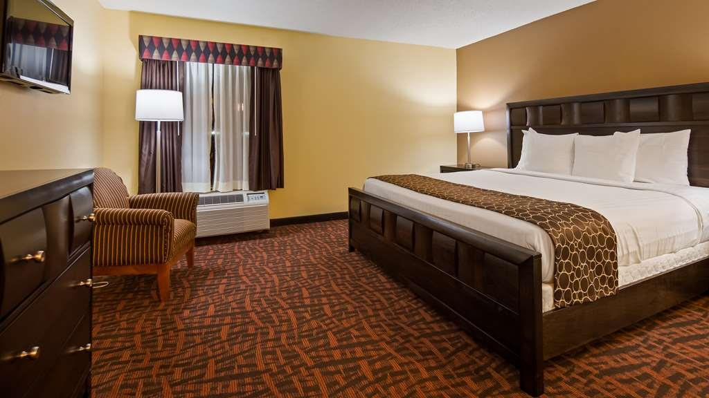 Best Western Louisville East - Suite