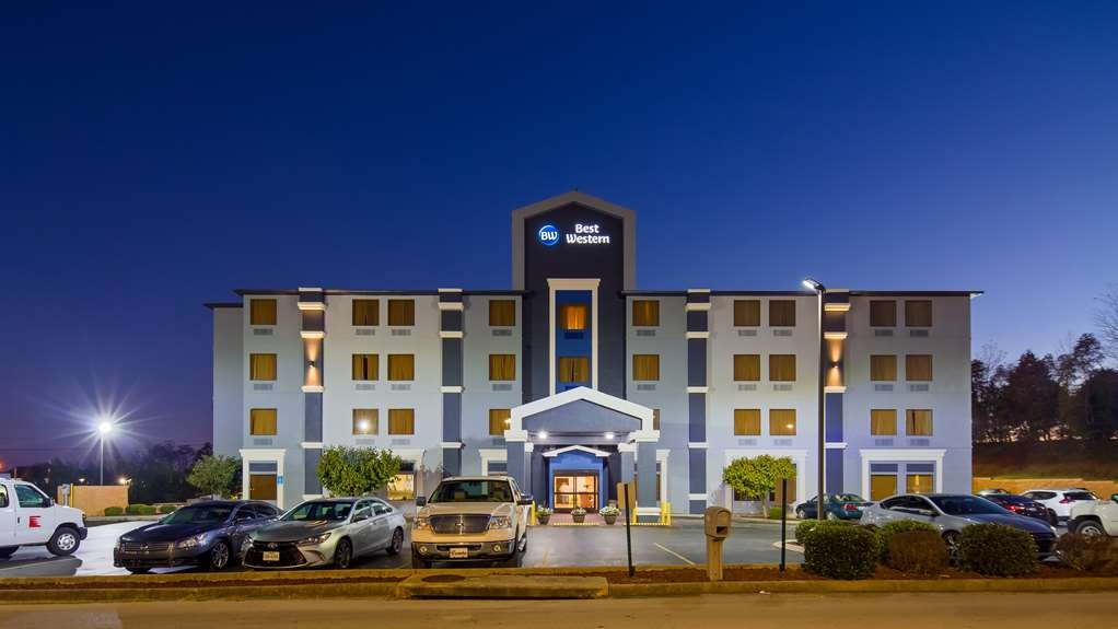 Best Western Somerset - We are conveniently located right off Highway 27, located near many eateries in walking distance such as: Cracker Barrel, Ruby Tuesday, Wal-Mart, and Zaxby's to name a few!