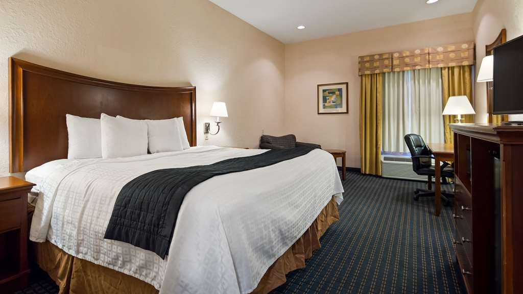Best Western Somerset - Traveling alone for business or pleasure? Our spacious King rooms are sure to exceed your expectations! Almost 1.5 times larger than normal hotel rooms!