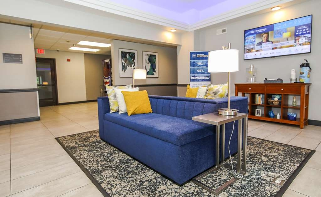 Best Western Somerset - Enjoy our newly updated hotel! With modern decor, public seating available for all, there's no need to stay cooped up in your room!
