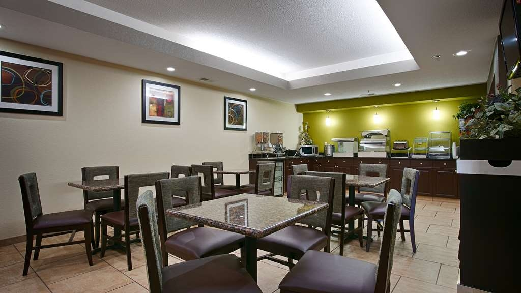 Best Western Lake Cumberland Inn - Breakfast Area