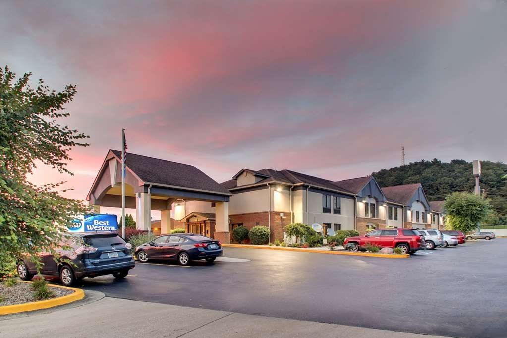 Best Western Eagles Inn - Best Western Eagles Inn is conveniently located off Exit 137 on I-64.