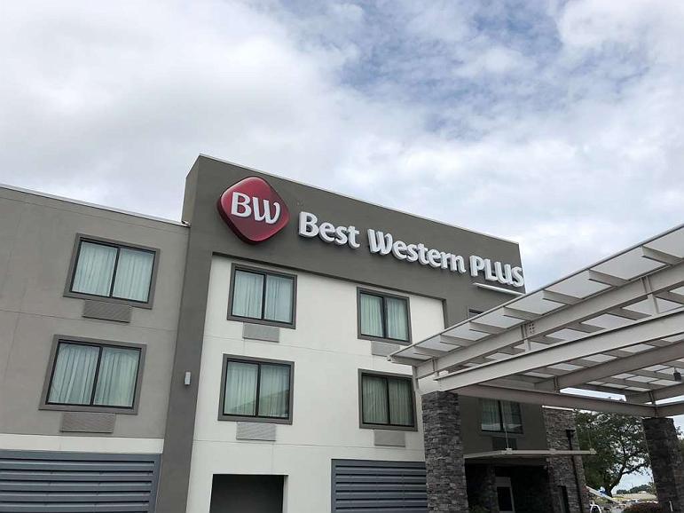 Best Western Plus Bowling Green - Aussenansicht
