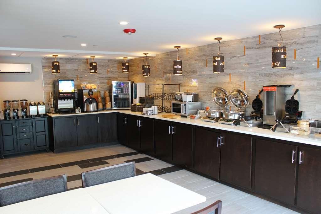 Best Western Plus Bowling Green - Frühstücksbuffet