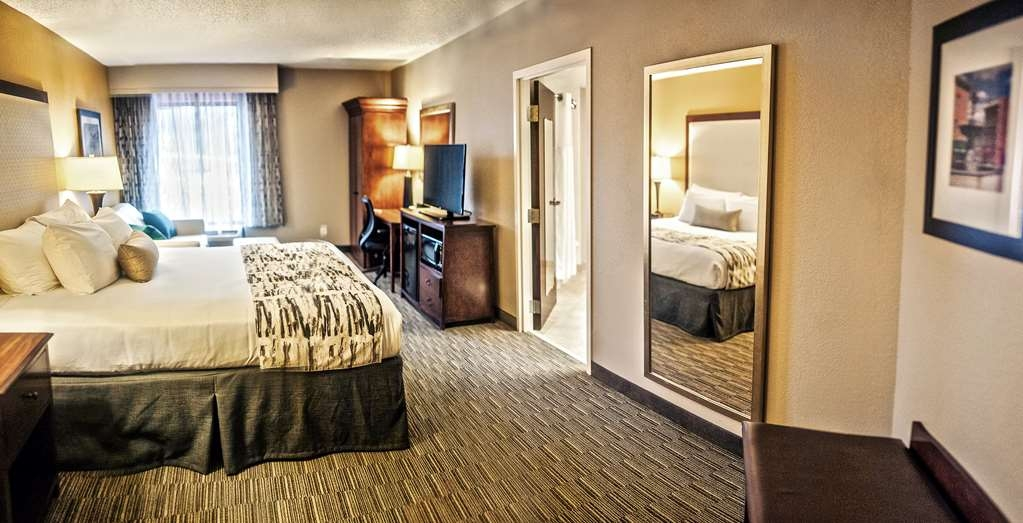 Best Western Plus Cincinnati Riverfront Downtown Area - Mobility Accessible Guest Room