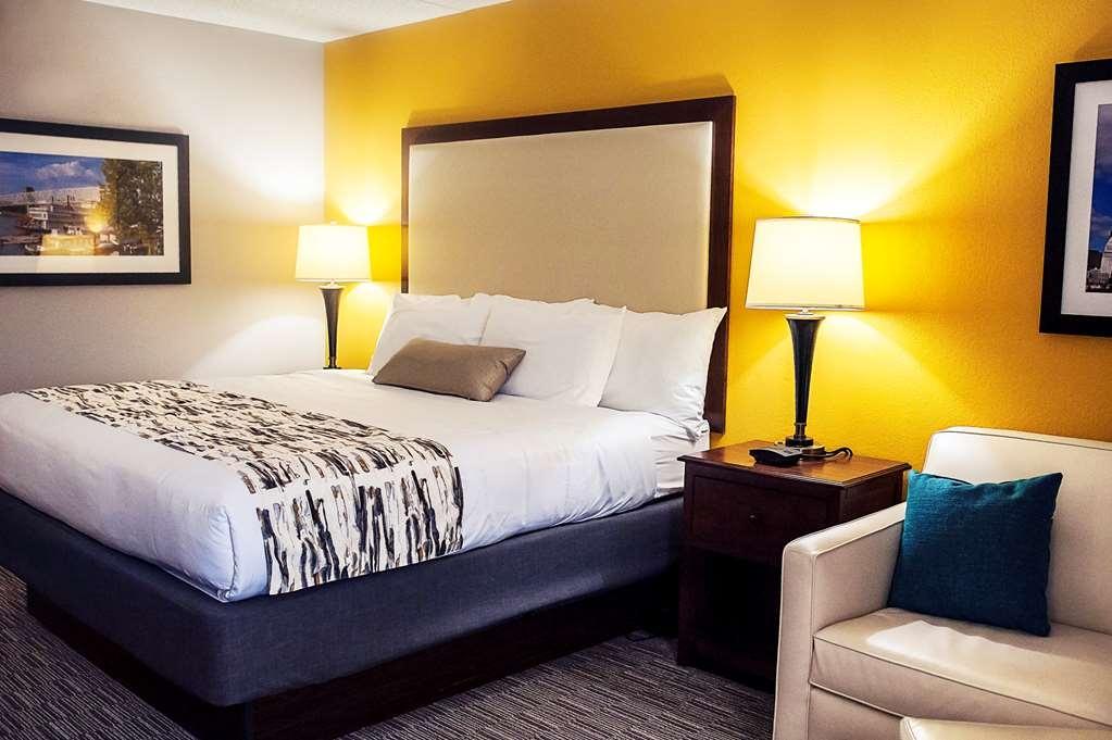 Best Western Plus Cincinnati Riverfront Downtown Area - Habitaciones/Alojamientos