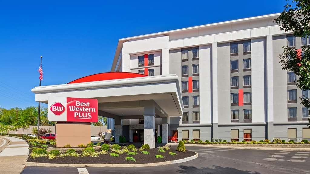 Best Western Plus Cincinnati Riverfront Downtown Area - Facciata dell'albergo