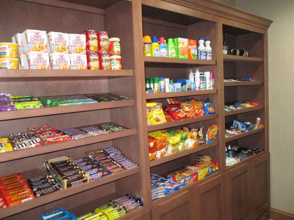 Best Western Plus Owensboro - Stock up on your favorite snacks or drinks in our fully stocked Sundry Shop